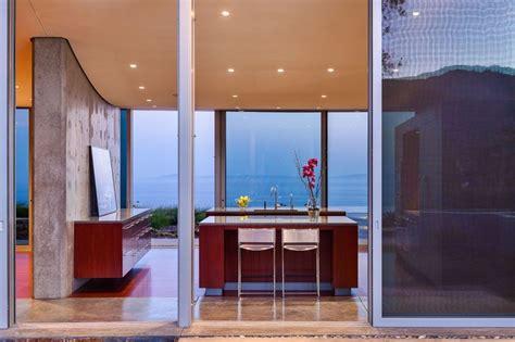 baie de cuisine baie vitrée coulissante îlot central de cuisine