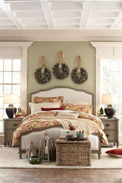 hang  wreaths   row   bed