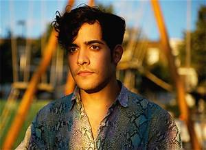 "LISTEN Neon Indian Releases New Song ""Annie"""