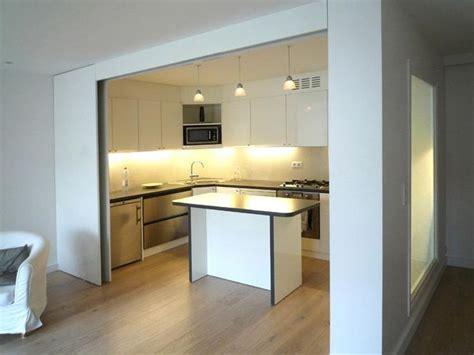porte cuisine coulissante image cuisine semi ouverte avec porte coulissante olivier