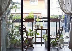 Salon Pour Balcon : 20 id es pour amenager un petit balcon elle d coration ~ Teatrodelosmanantiales.com Idées de Décoration