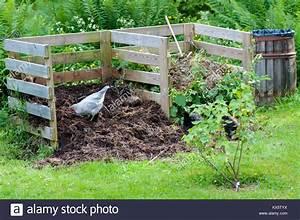 Hühner Im Garten : compost farm stockfotos compost farm bilder alamy ~ Markanthonyermac.com Haus und Dekorationen