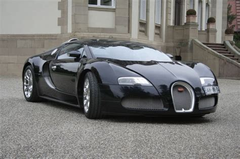 Simply Nonpareil! Bugatti Veyron First Drive Review