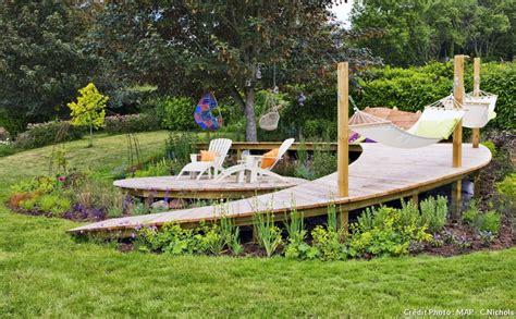 nivrem com terrasse bois piscine pente diverses id 233 es