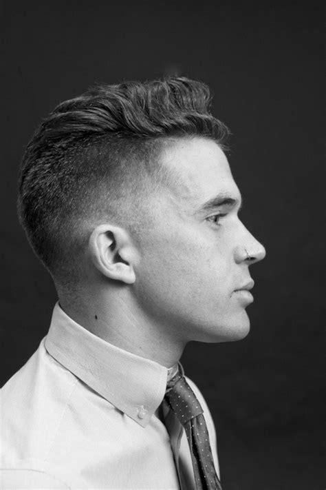 coupe cheveux ondulés coupe de cheveux homme top 5 coiffures cheveux courts