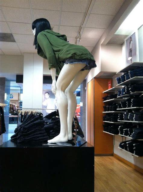 mannequins   theyre twerking complex