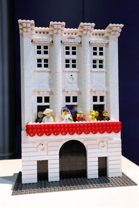 lego brick city buckingham palace boxmash