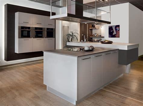 plan de travail cuisine cuisine plan travail bois cuisine avec ilot gris