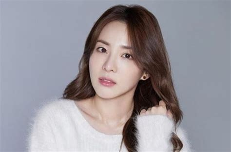 Sandara park imię angielskie : Her Name Is on the List of Top 10 Richest K-Pop Idols, How ...