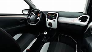 Peugeot 108 Roland Garros Féline