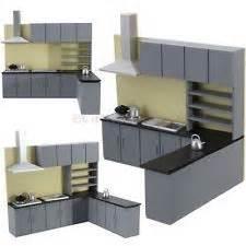 les 25 meilleures idees de la categorie maisons lps sur With kitchen cabinets lowes with papier cadeau enfant