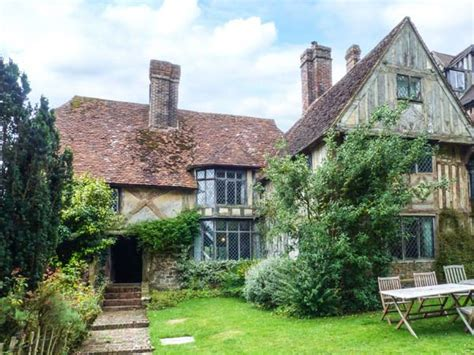 cottage holidays uk tudor wing chiddingstone chiddingstone hoath south