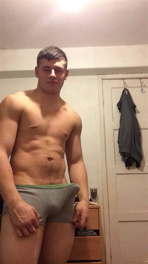 Hot Hunk With A Big Good Looking Cock Nude Amateur Guys