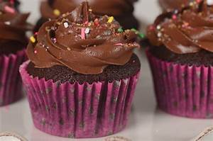 Chocolate Cupcakes Video Recipe