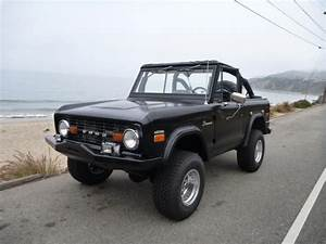 70 FUEL INJECTED CUSTOM EARLY 4X4 CLASSIC FORD BRONCO (With images)   Classic ford broncos, Ford ...