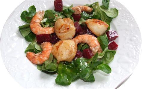 cuisiner les st jacques recette salade crevettes et noix de jacques pas