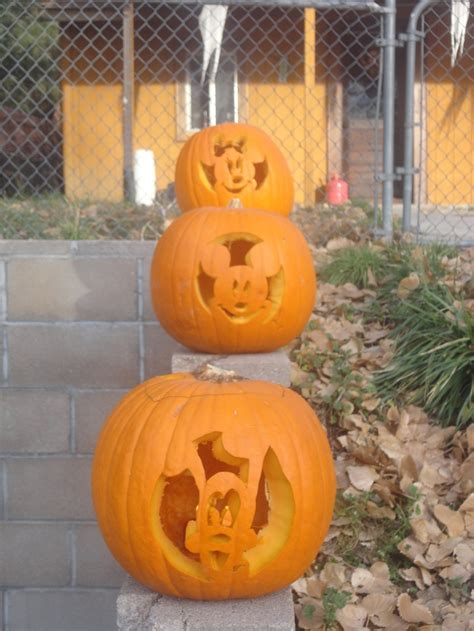 mickey mouse pumpkin ideas mickey mouse pumpkins things i made pinterest