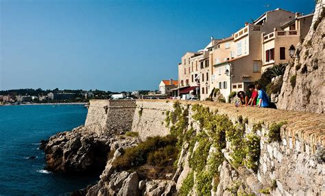 Antibes, the perfect city for learning French