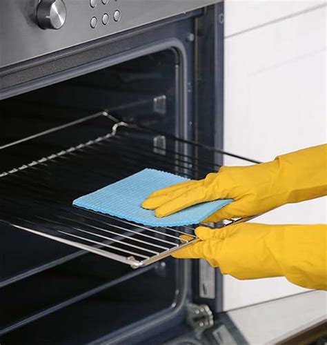 cleaning oven racks how to clean oven racks 5 methods everyone should