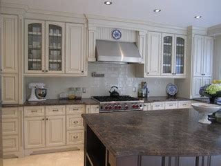 kitchen cabinet dishwasher two tone kitchens and antiqued kitchens 2473