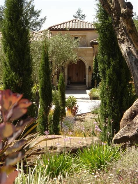 tuscan landscaping tuscan beauty tuscany the colors of tuscana pinterest gardens mediterranean living