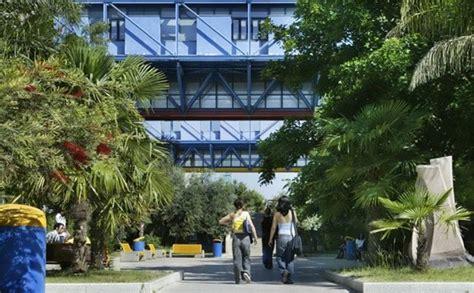 test d ingresso facoltà di medicina universit 224 di cagliari al via da marted 236 i test di