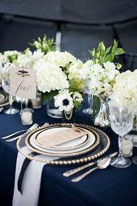 Deco Mariage Bleu Marine : d corez vos tables de r ception en bleu roy et or mariage en vogue ~ Teatrodelosmanantiales.com Idées de Décoration