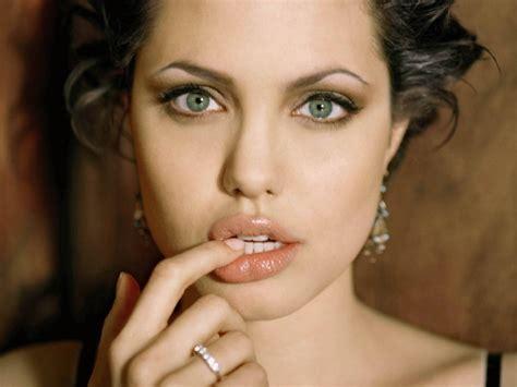 foto de angelina jolie lips World's Most Beautiful Photos