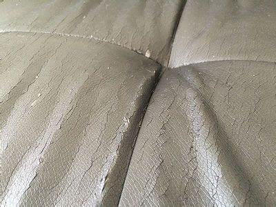 restauration canap cuir rénovation canapé en simili cuir skai sofolk