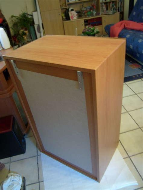 fixer un meuble de cuisine au mur fabrication d un meuble de cuisine