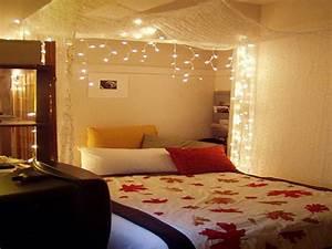 Bilder über Bett : vorh nge ber bett befestigen ohne bohren handwerk ~ Watch28wear.com Haus und Dekorationen