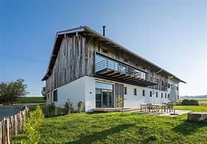 Häuser Mit Pultdach : umbau einer bauernhoftenne in ein wohnhaus mit arztpraxis ~ Markanthonyermac.com Haus und Dekorationen