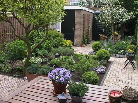 welke fruitboom in de tuin kleine tuin met fruitboom nalbach tuinontwerp groendadvies