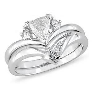 trillion cut engagement rings 0 32 ct t w trillion cut bridal set in 14k white gold peoples jewellers 0 32 ct t w