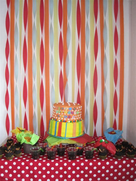 Ideas With Streamers by Backdrop Using Streamers My Has Mad Decorating