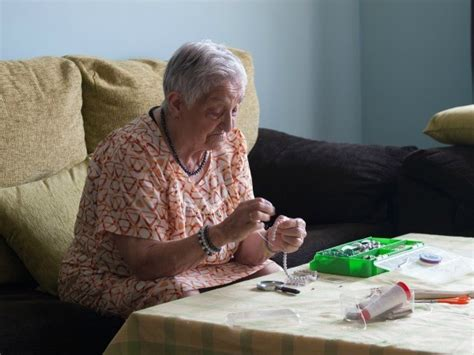 crafts  visually impaired nursing home patients
