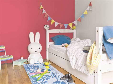 peinture pour chambre enfant cuisine blanche et bois