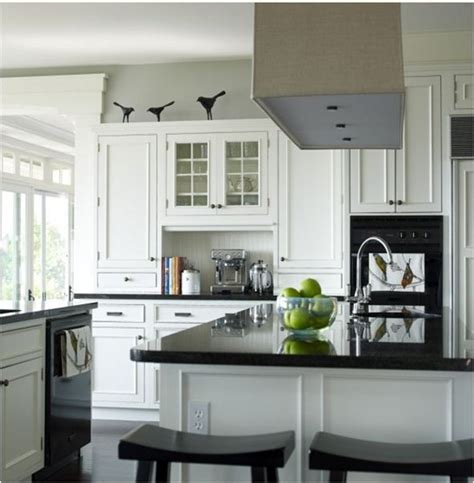 Black And White Kitchen  Interior Design Ideas
