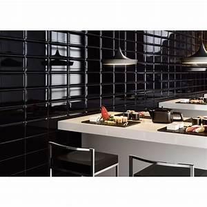 carrelage mural noir style metro salle de bain et cuisine With carrelage salle de bain noir brillant
