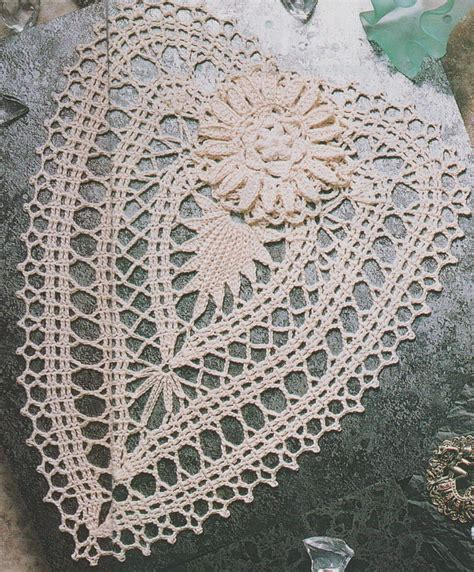 les nappes de crochet avec patron crochet napperons ronds et ovales le de crochet et tricot d de suzelle