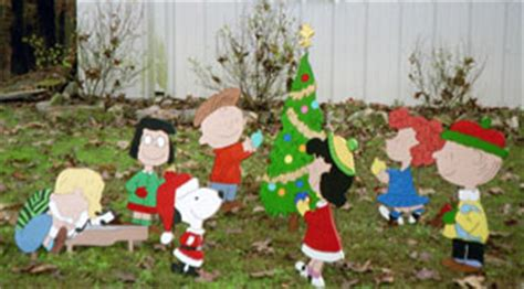 harleans christmas yard art thriftyfun