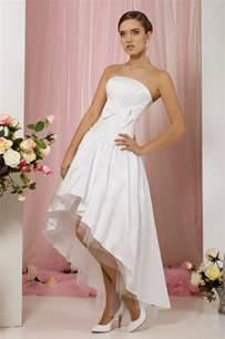 robe de mariã e courte devant et longue derriere robe de mariée mi longue couleur