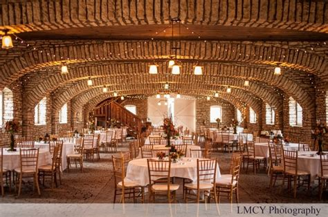 Barns For Weddings In Mn by Mayowood Barn Rochester Mn Www Lmcyphotography
