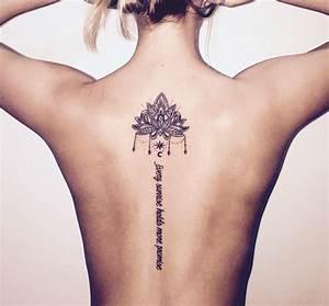 Frauen Rücken Tattoo : elegante tattoo motive f r wirbels ule von besonderem reiz ~ Frokenaadalensverden.com Haus und Dekorationen