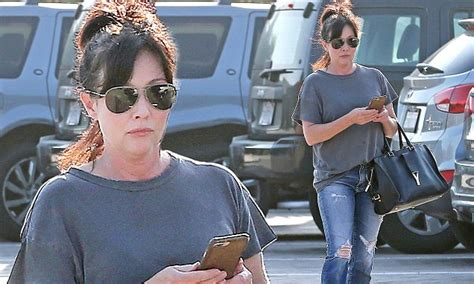 Shannen Doherty, 47, is a picture of health after saying ...