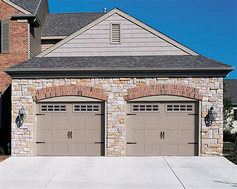Garage Doors : How To Make The Right Choice For