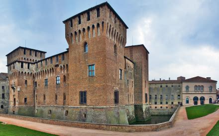 autonoleggio mantovani foto palazzo ducale a mantova 440x273 autore