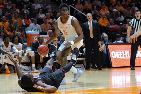 AP releases new Top 25 college basketball poll