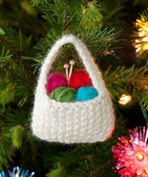knitted christmas decorations ideas  pinterest