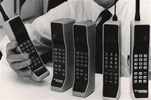 Fact sheet: Motorola DynaTAC - the first mobile phone from ...